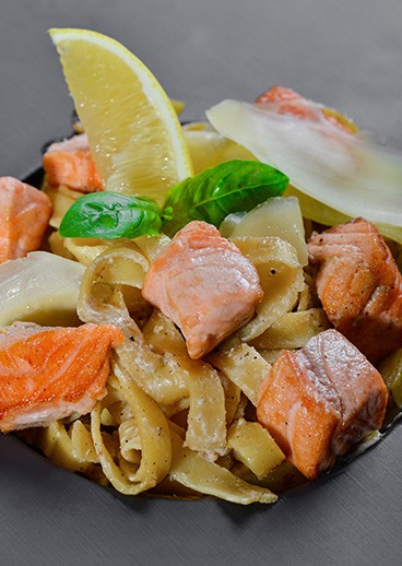 Paste Fettuccine with salmon - photo