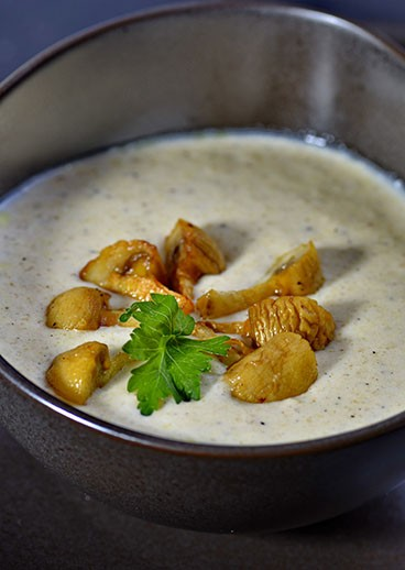 Cheese cream soup with mushrooms - photo